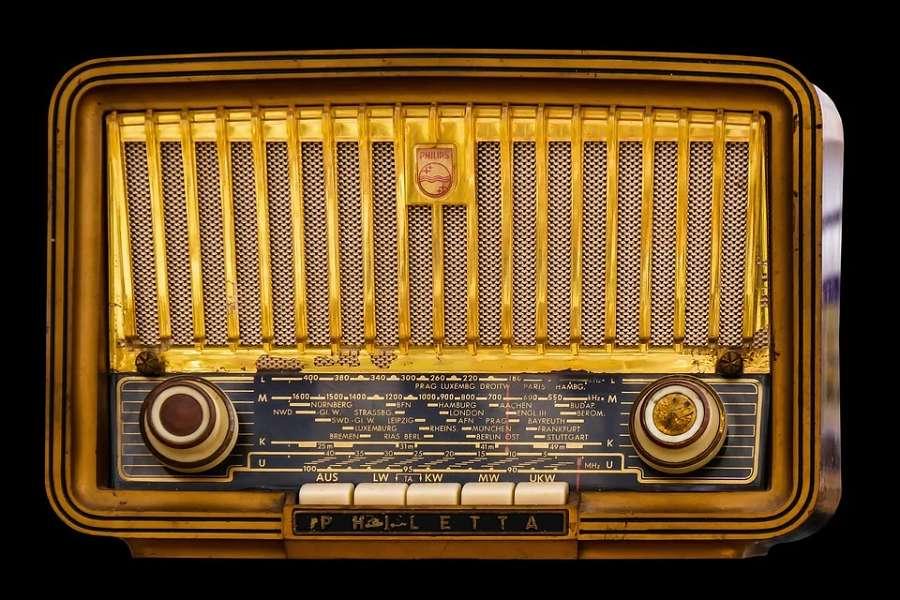 stary odbiornik radiowy
