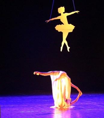 dwie tancerki nascenie