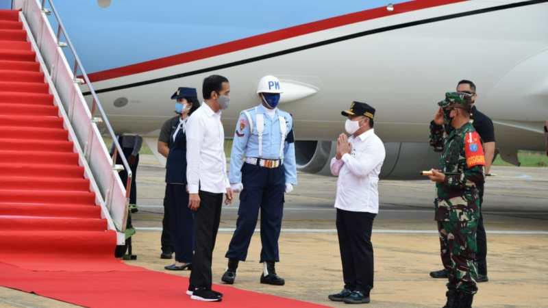 Gubernur Sugianto Sabran Sambut kedatangan Presiden Joko Widodo di Kalteng