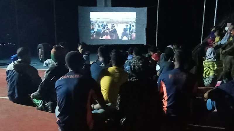 Ciptakan Kemanunggalan TMMD Ke 108 Paskhas Bandung Mengadakan Nobar