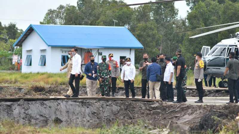 Rombongan Presiden RI Jokowi Berada Di Dadahup Tinjau Lokasi Food Estate