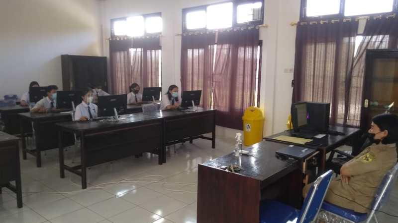 41 Peserta Didik SMP Enam Kuala Kurun Mengikuti USBK Secara Semi Online tatap muka