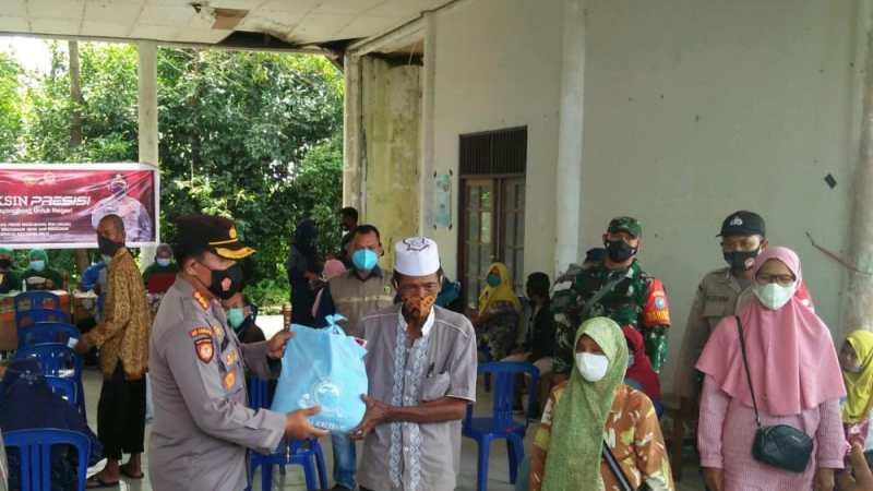 Kapolresta Palangka Raya Dampingi Wakapolda Kalteng Tinjau Vaksinasi Covid-19 di Kelurahan Tanjung Pinang