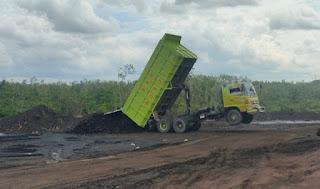 Tambang Batu Bara PT. DMC Kalsel Disegel Oleh Bareskrim Tetap Beroperasi