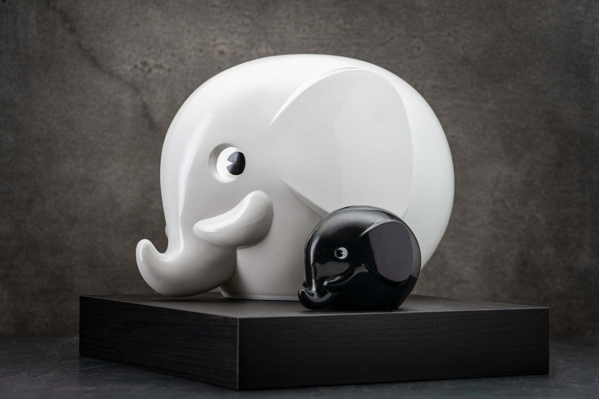 Iso ja pieni norsu 092019_lowres