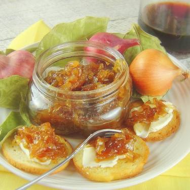 Caramelized Balsamic Onion Jam for the Sandwich