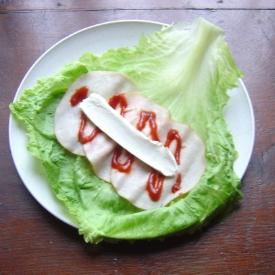 layering lettuce roll ups