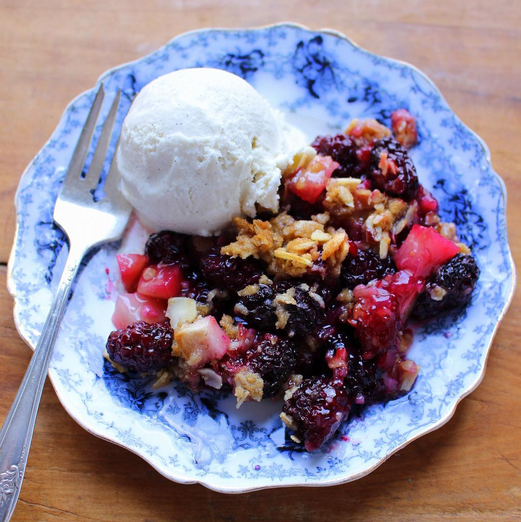 Blackberry-Pear Crisp
