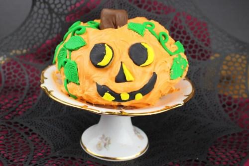 Jack O'Lantern Cake