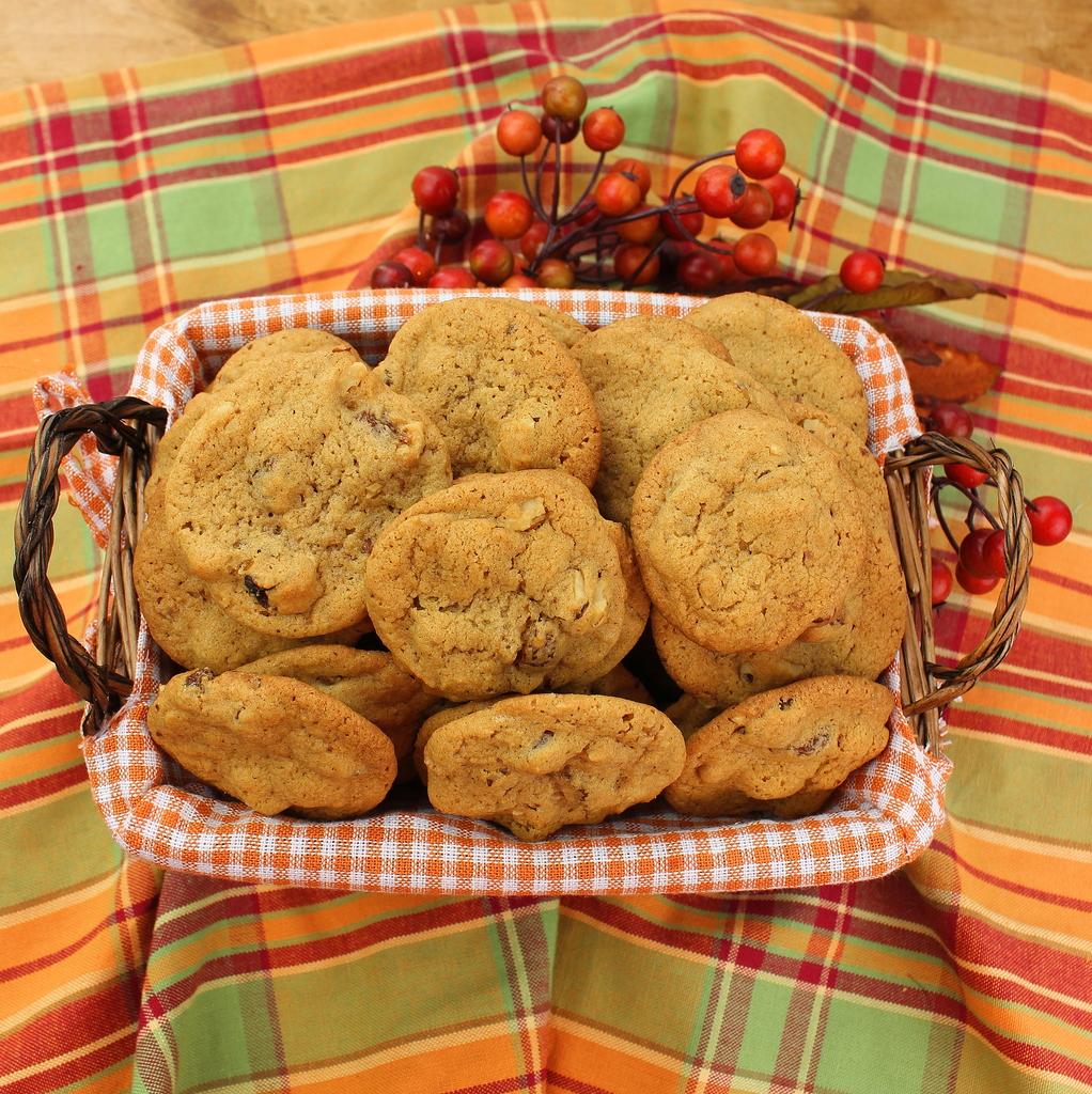 Walnut Raisin Cookies