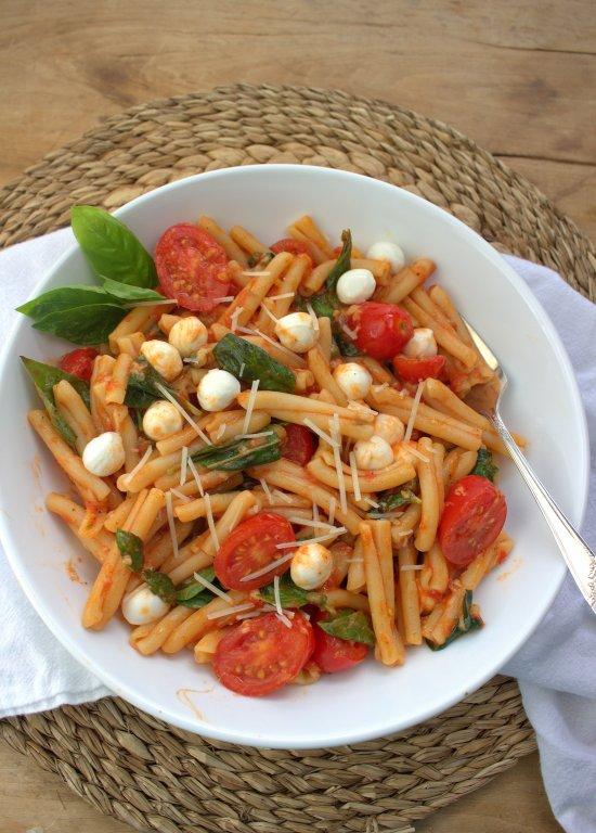 Fresh Tomato Pasta Caprese