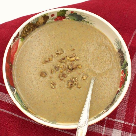 Velouté de Châtaignes (Cream of Chestnut Soup)
