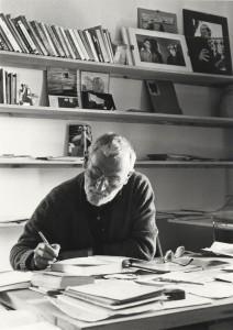 jorge-oteiza-no-seu-despacho-1980