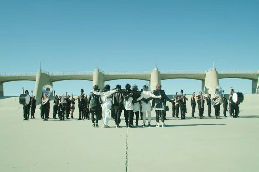 "Foto capa do vídeo performace de ""On"""