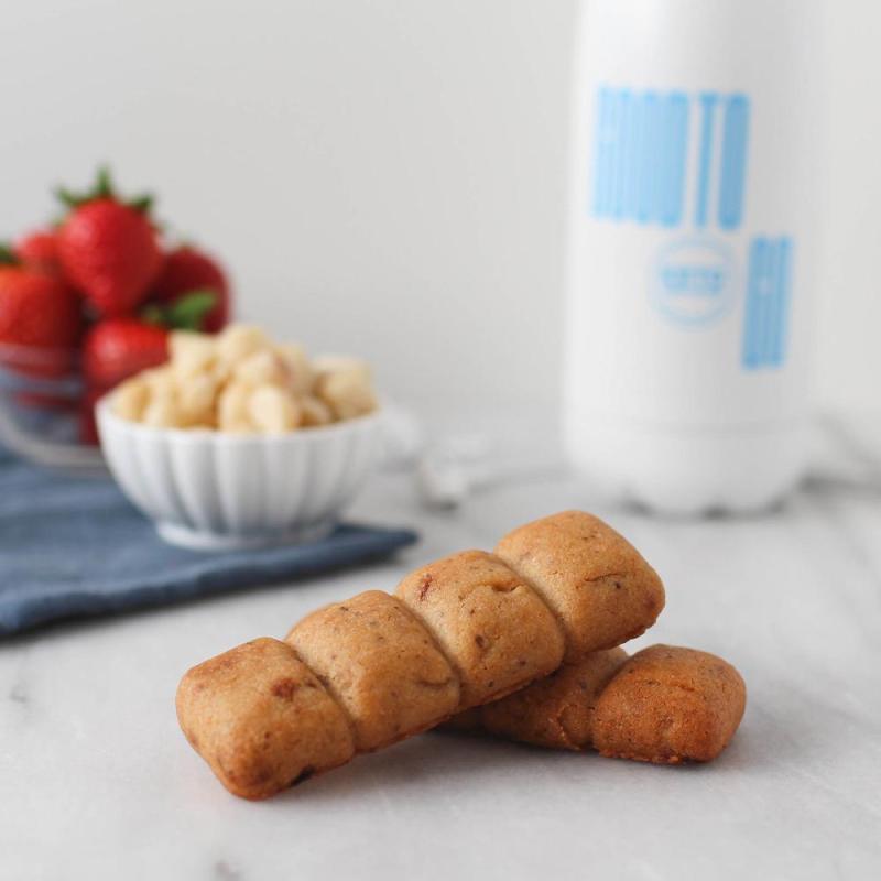 Strawberry Macadamia Snack Bar - GoodTo Go Snacks - KETO Certified by the Paleo Foundation