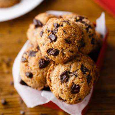 Easy Paleo Chocolate Chip Cookies