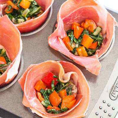Egg Muffins in Prosciutto Cups