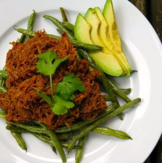 Tomato and Spice Pulled Pork with Roasted Green Beans