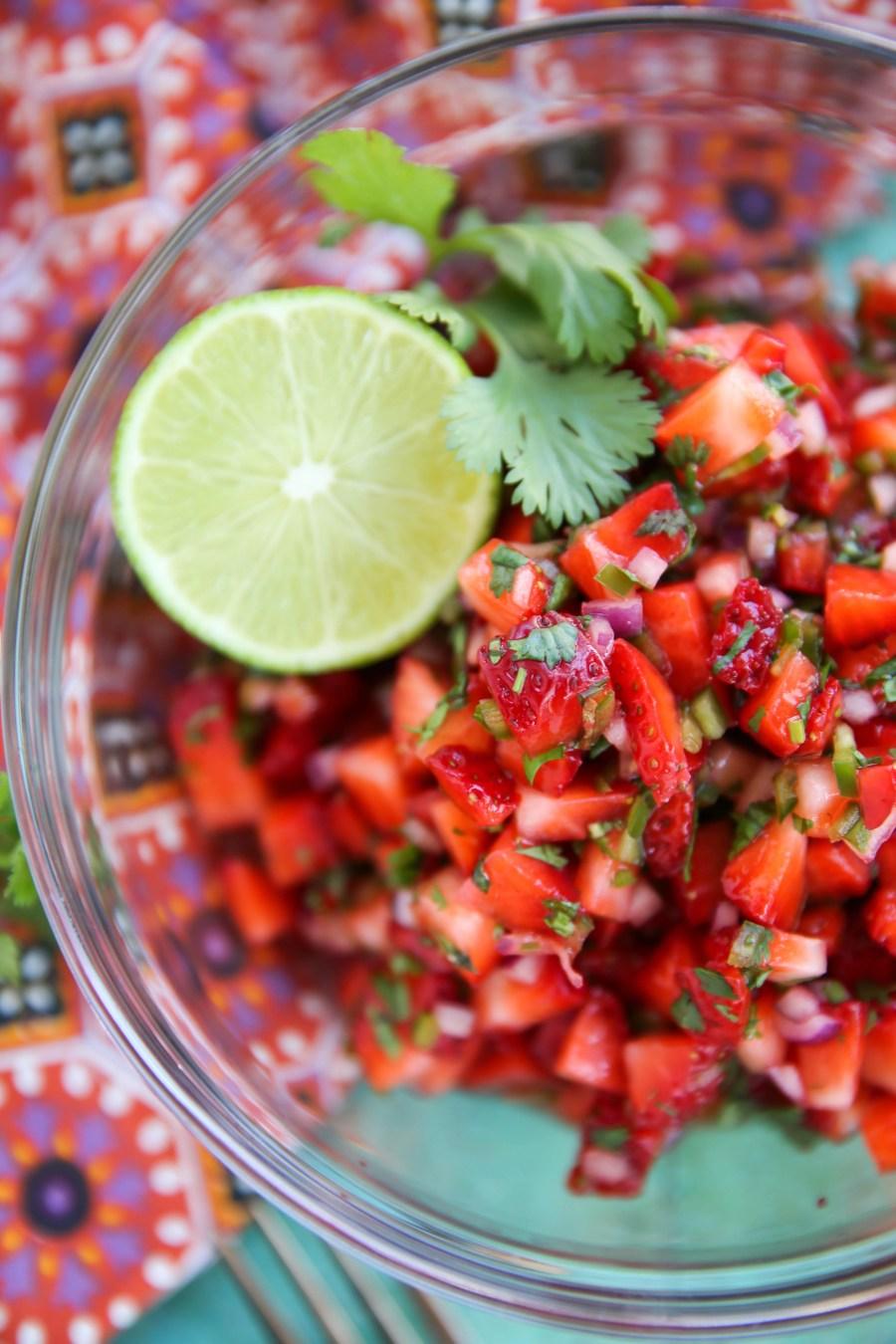 PaleOMG Strawberry Salsa