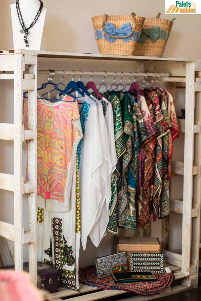 Decoraci n comercio complementos para mujer palets y for Decoracion para comercios