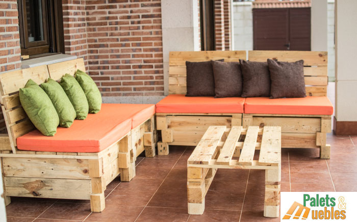 Sof modular con palets palets y muebles - Sofas de madera ...