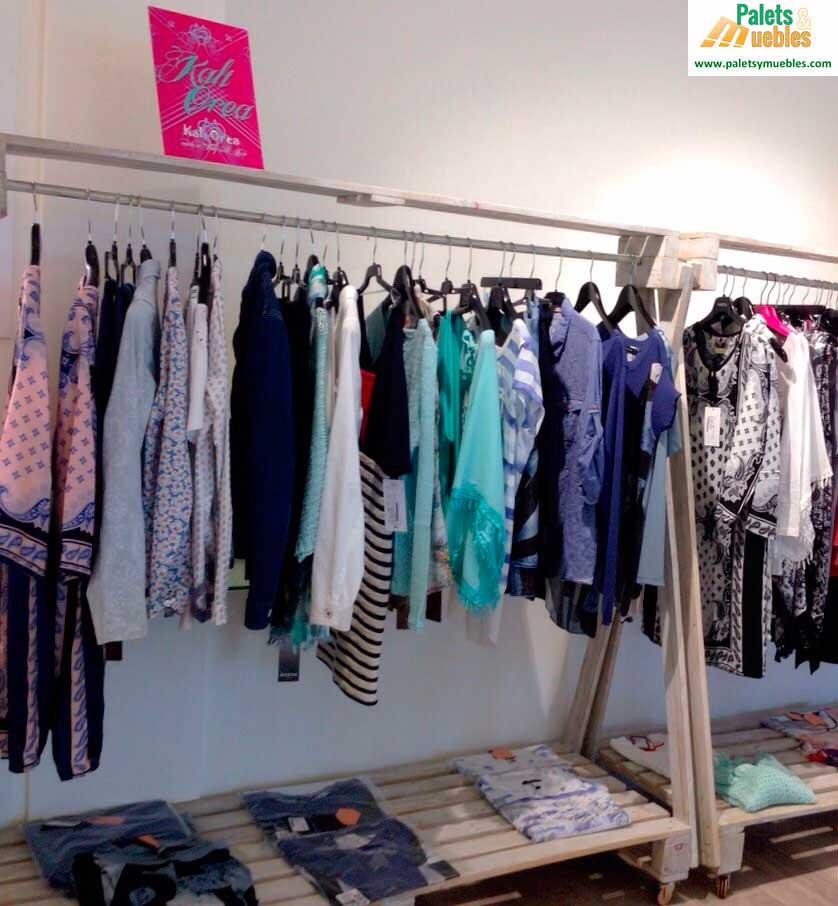 Tienda de ropa y complementos para mujer palets y muebles for Muebles para ropa