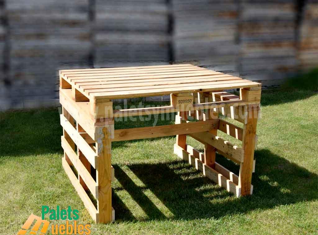 Mesa y banco con palets palets y muebles for Como hacer mesa de trabajo con palets