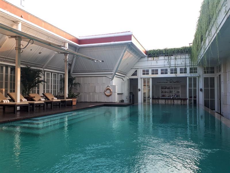 pool hermitage jakarta