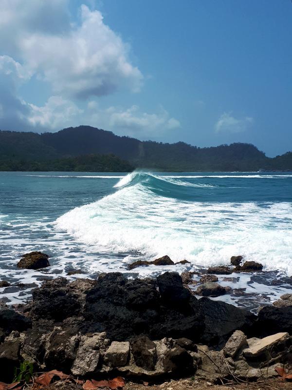 waves isla mamay