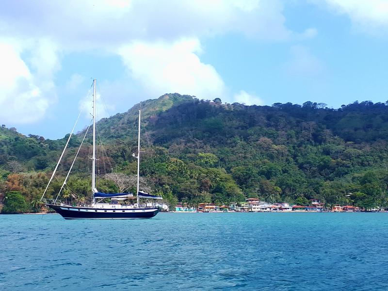 isla mamay yacht