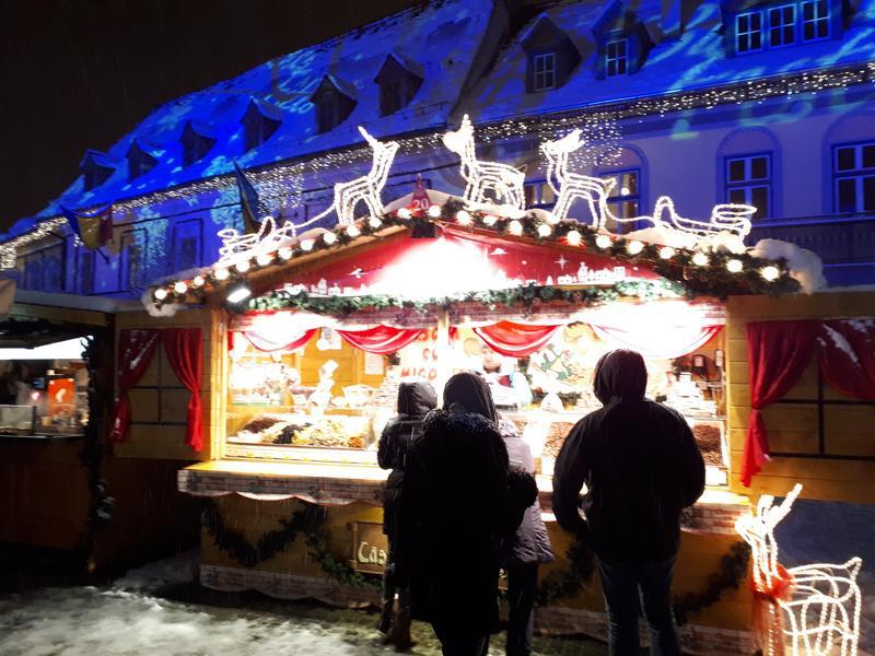 christmas market stall night sibiu trip report