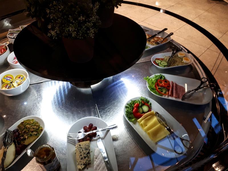 north sea lounge breakfast food buffet