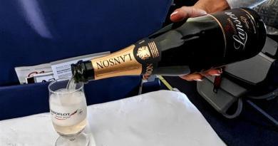 champagne lanson aeroflot business class
