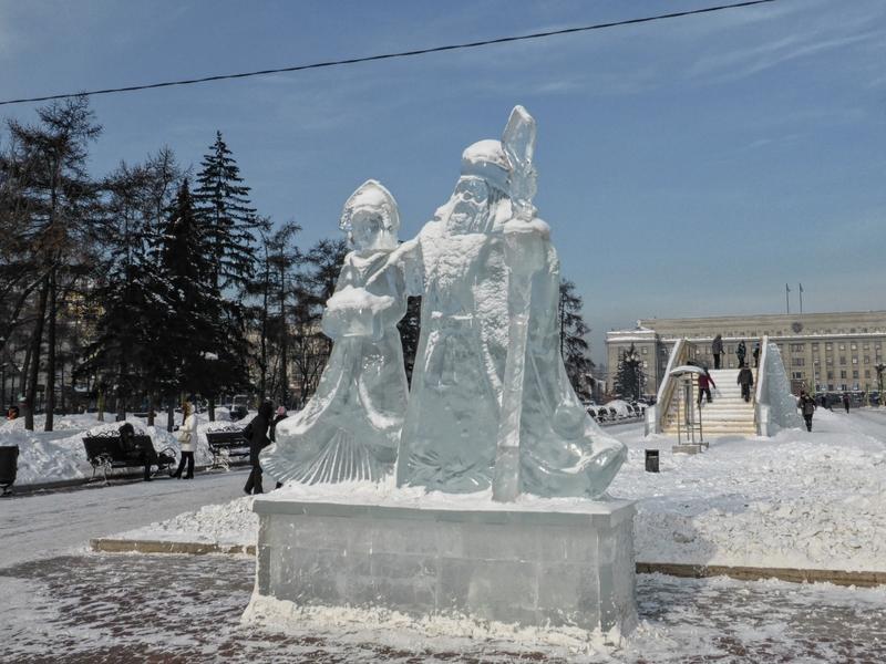 ded moroz ice sculpture irkutsk