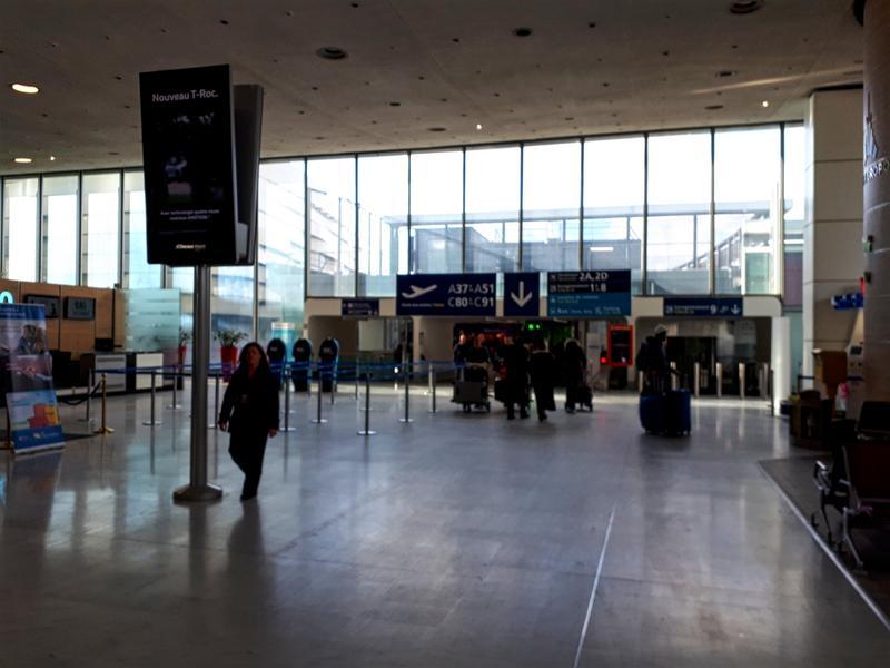 paris cdg airport terminal 2c
