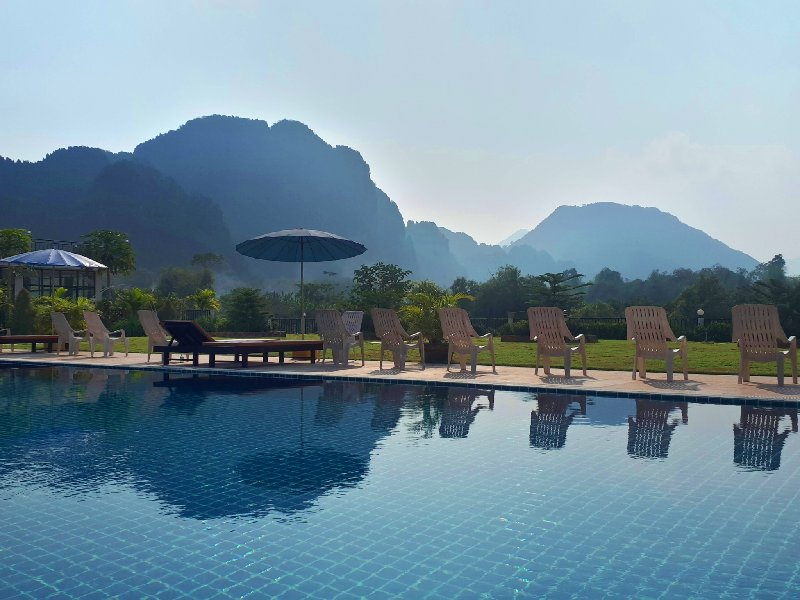 vang vieng pool laos trip report