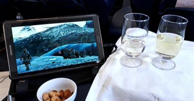 champagne game of thrones aeroflot