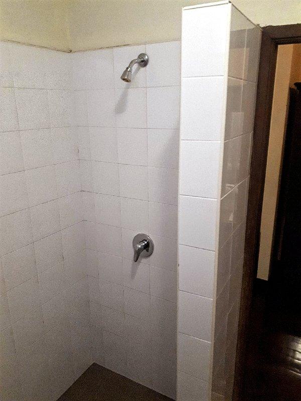 shower khamvongsa