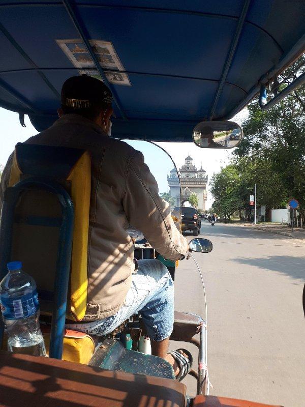 patuxay tuk tuk vientiane trip report