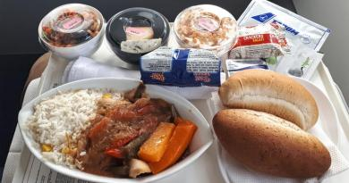 tarom business class meal food
