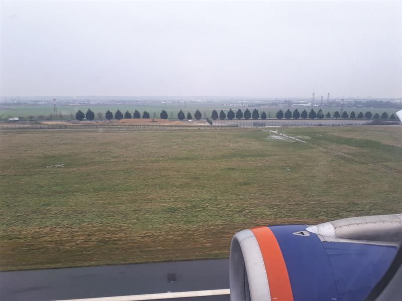 aeroflot landing paris airbus a320