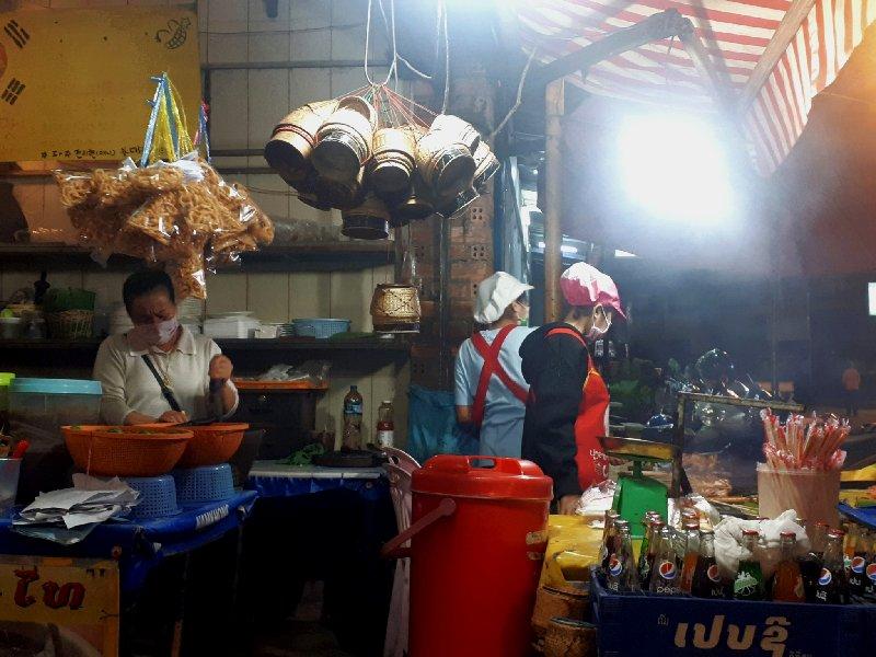 open kitchen vang vieng restaurant laos
