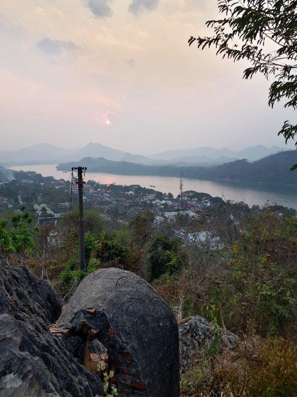 sunset phousi hill luang prabang