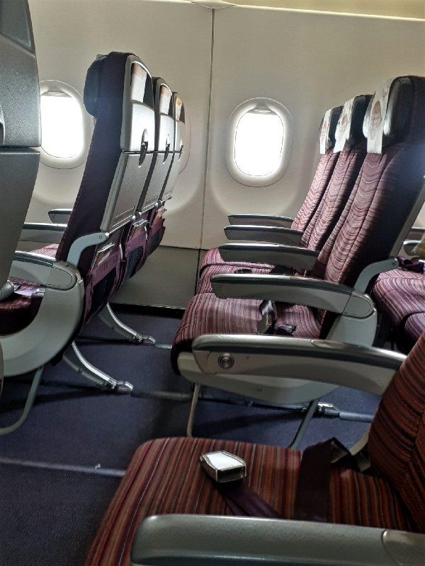 seat thai smile economy class cabin review