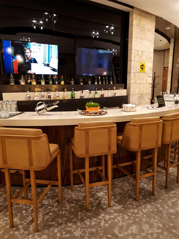 azerbaijan airlines lounge bar