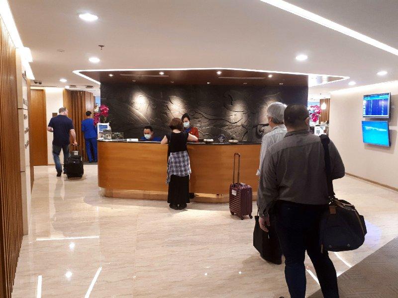 garuda indonesia business lounge jakarta review