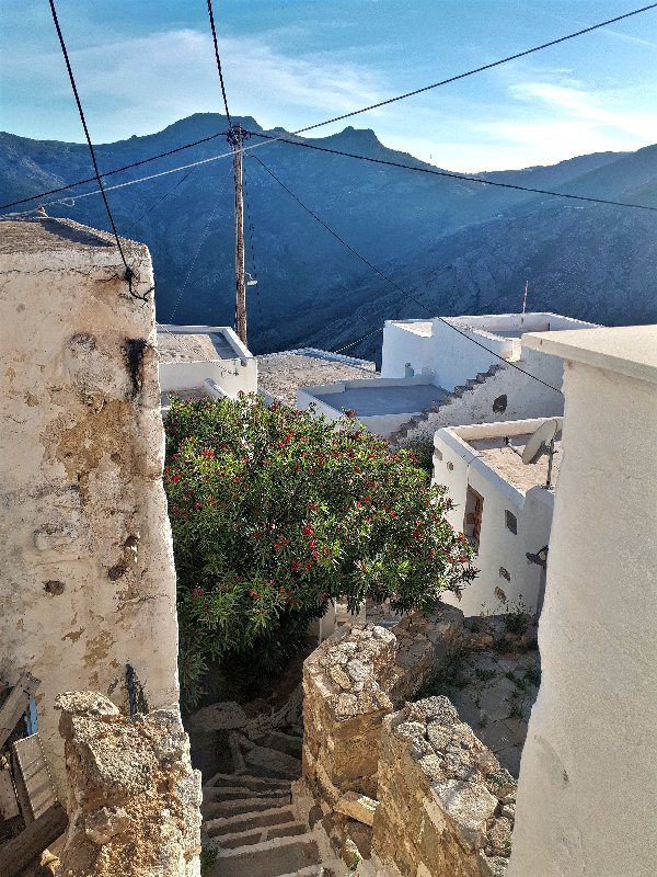 hora serifos greece guide