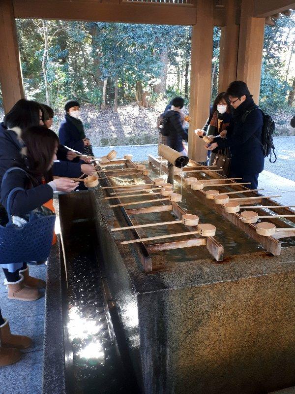 shinto meiji shrine temizuya