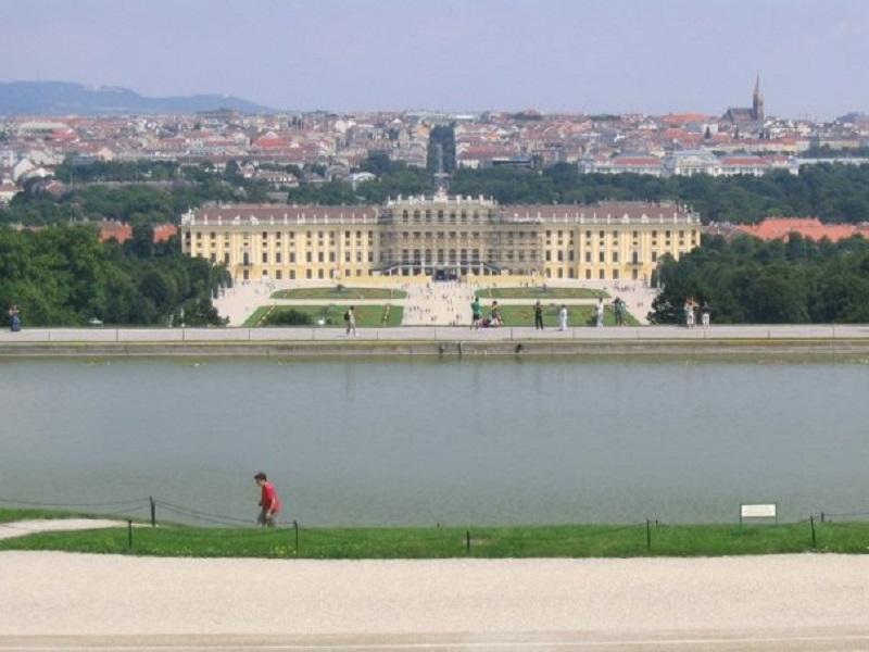 vienna schoenbrunn palace austria