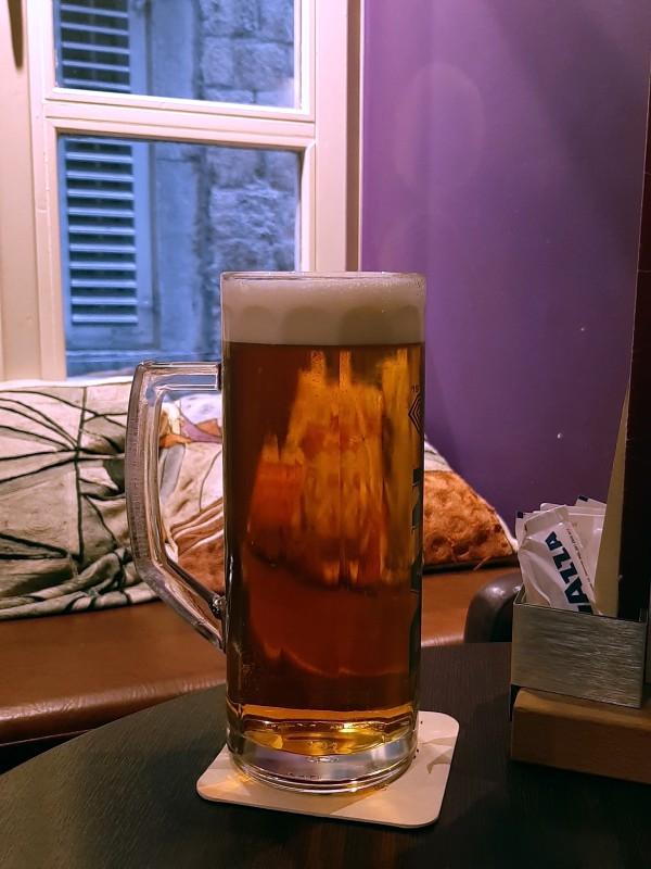 buzz bar dubrovnik beer